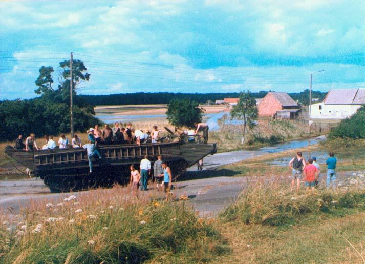 PTS dostarczyla żywność pomiędzy Ciepielowicami a Karłowicami 14.07.1997