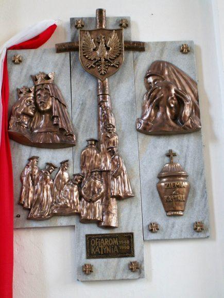 Tablica pamiątkowa w kościele pw. Podwyższenia Krzyża Świętego w Brzegu