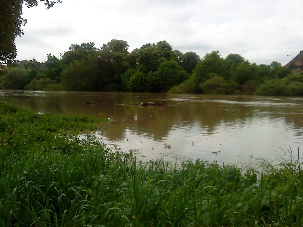 Wysoka woda na Odrze w Brzegu w 2011 r.